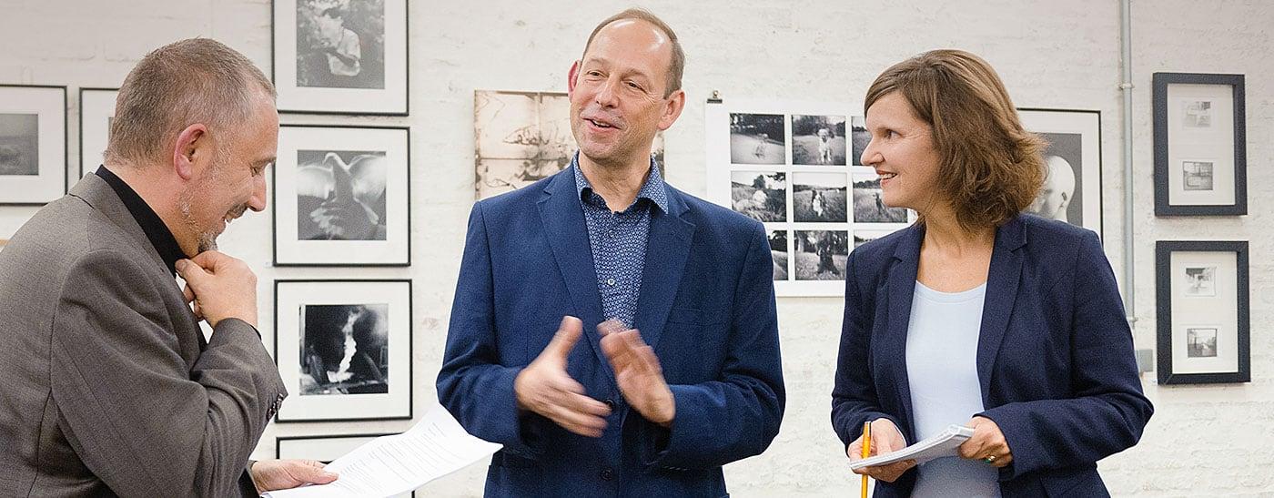 """Dolmetscheinsatz bei der Eröffnung der Vernissage """"Obsolete and Discontinued"""" in der schaelpic Photokunstbar in Köln."""